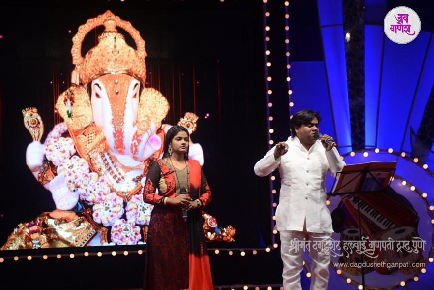 Dagdusheth-Ganpati-Music-Festival-07-2015