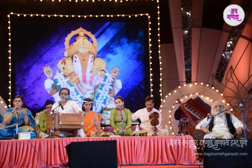 Dagdusheth Ganpati-Music Festival-06-2015